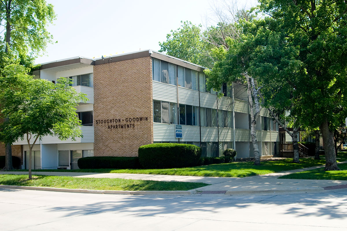 stoughton goodwin apartments urbana